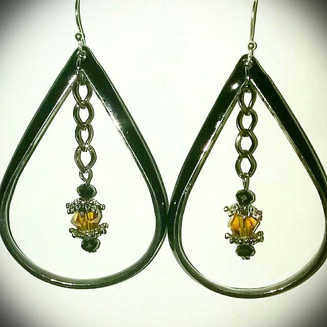 Tear Drop Hoop With Amber Accent Earring's