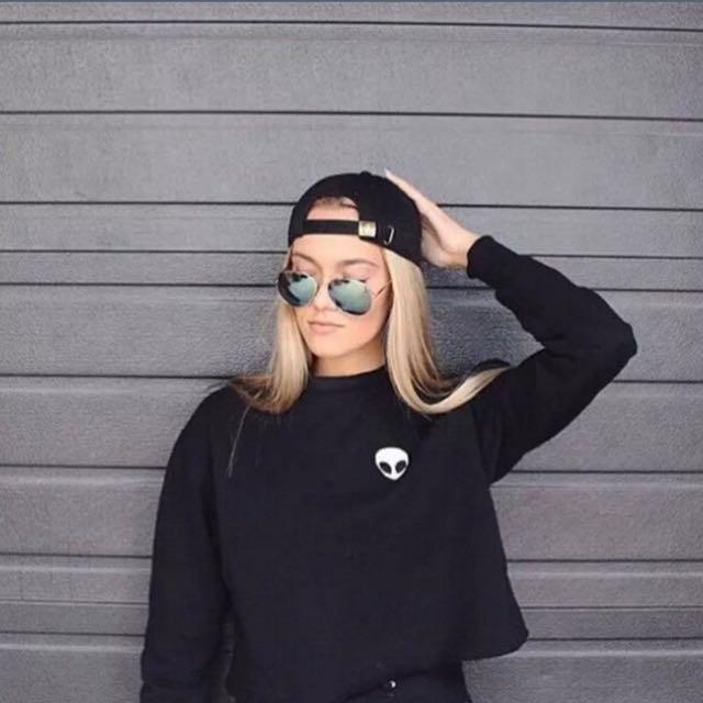 Women Alien Print Crop Top Sweatshirt