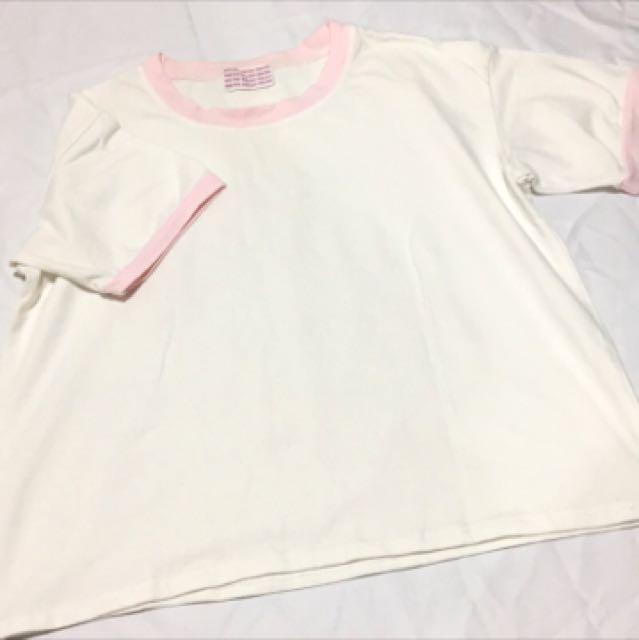 粉x白簡約上衣