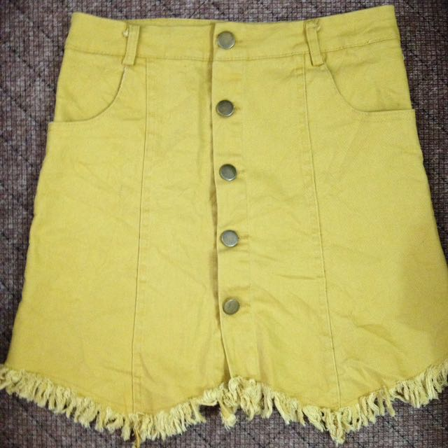 Yellow Buttoned Down Skirt 💛