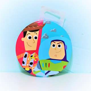 🚚 迪士尼 玩具總動員 胡迪 巴斯光年 別針 徽章