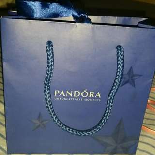 Pandora paper bag with ribbon