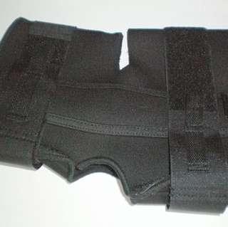 Adjustable Hinged Metal and Neoprene Knee Braces