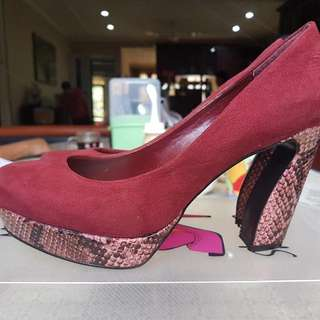 Charles n Keith Pump Shoes