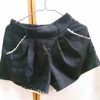 黑色易搭短褲