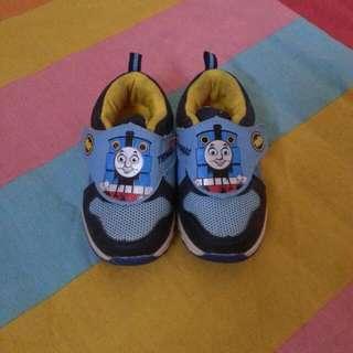 Sepatu Thomas