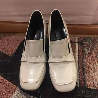 Size 5 Vintage Style Heels