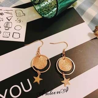 現貨🎁不規則金屬磨砂片鏤空耳環