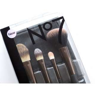 Boots No 7 Core Collection Brush Set