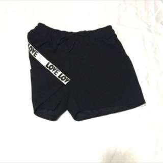 雙側邊條短褲