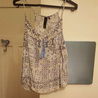 Patterned Summery Singlet Size Small