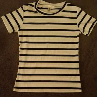 Cute Striped T-shirt Size XS/S