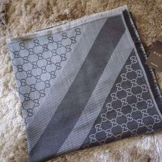 GUCCI SCARF GREY