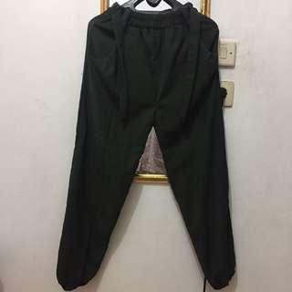 Celana Jogger Dengan Pita