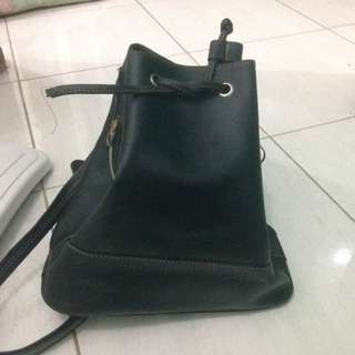 SALEEE!!! BLACK BUCKET BAG