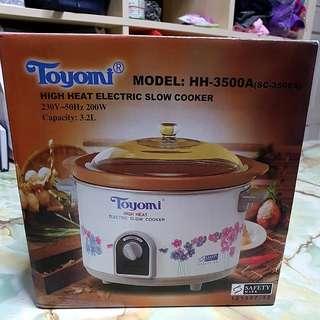 Toyomi Slow Cooker 3.2L