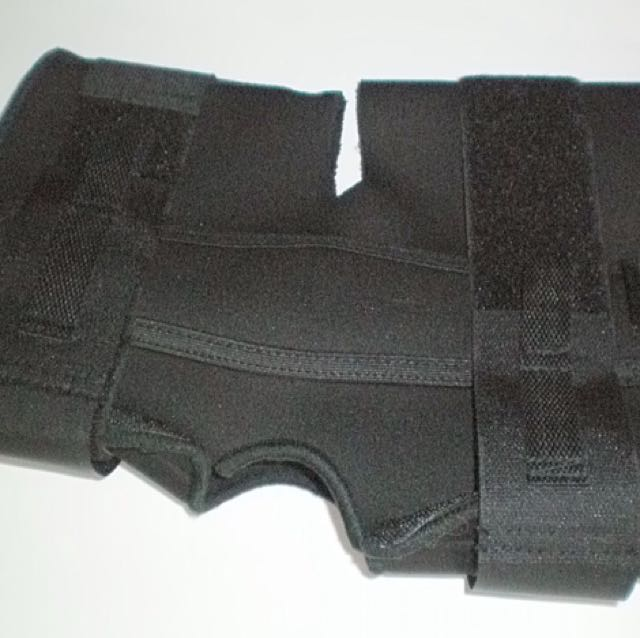 Adjustable Hinged Metal and Neoprene Knee Braces