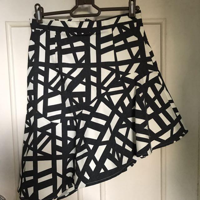 Assymetric Ruffled Skirt