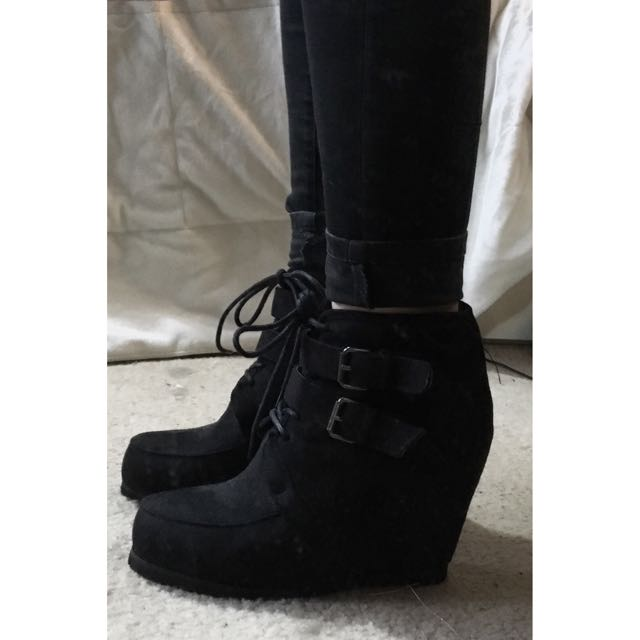 AU 8 | Wedge Ankle Boots