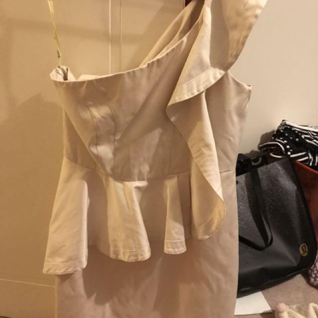 Bardot MYER Dress Cream Ruffle Races Size 14