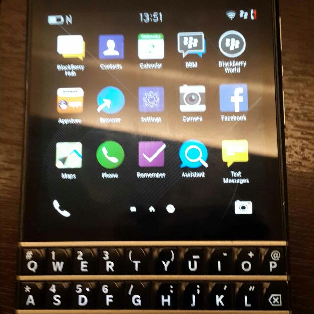 Blackberry Q10 Made Us Mexico Model SQN100-3 FOR LETGO  condition  10/10  cod Setia Alam/klang/shah Alam  plz Pm Me Or Whatsap  0109167182  boleh Nego