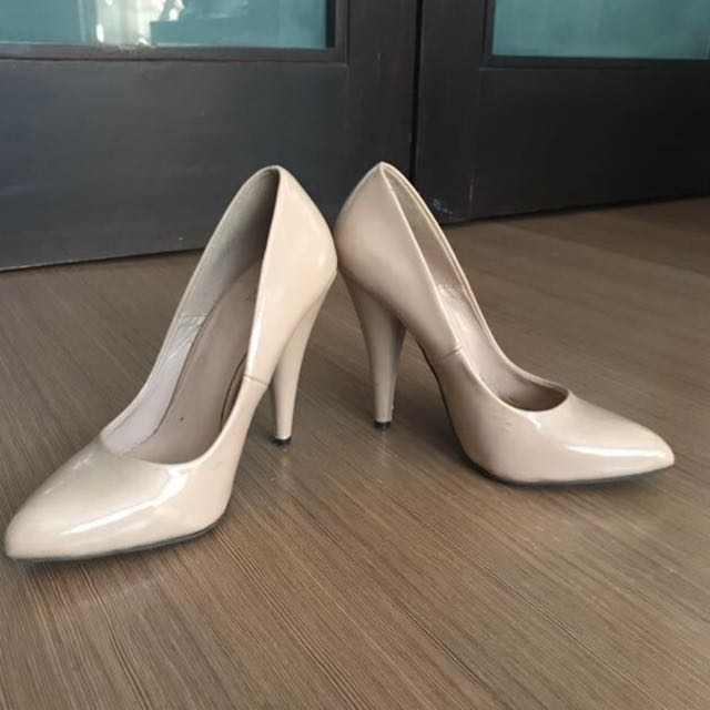 F21 Nude Patent Pumps