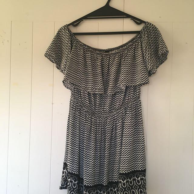 Factorie Black/White off the shoulder dress