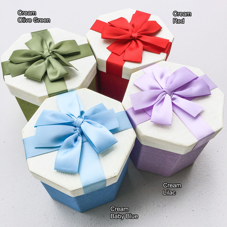 Git box octagon with ribbon