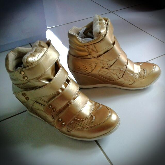 Gold Ankle Boots size 39