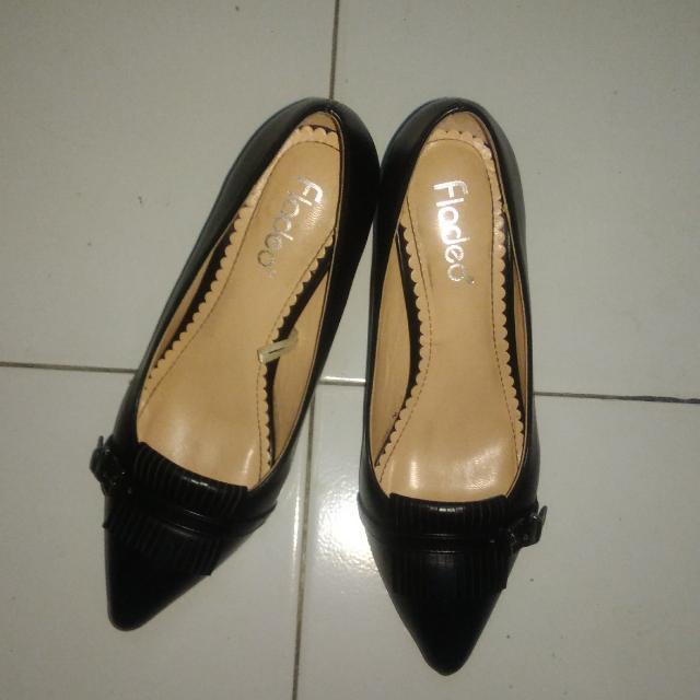 Heel Fladeo (Sepatu Kerja)