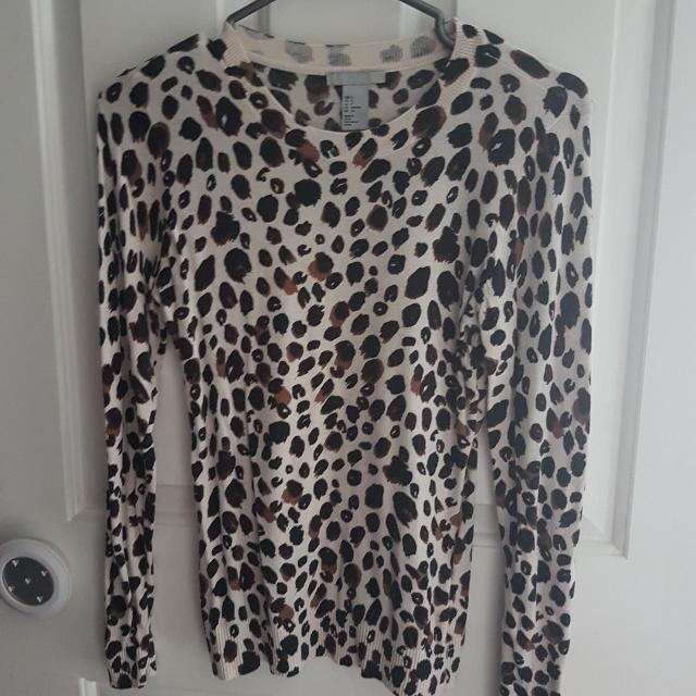 H&M Sweater Size Small