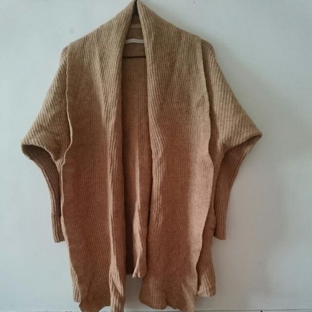 日牌Kbf毛衣外套