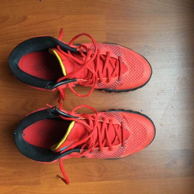 Kyrie Irving 1 Men's Basketball Shoe