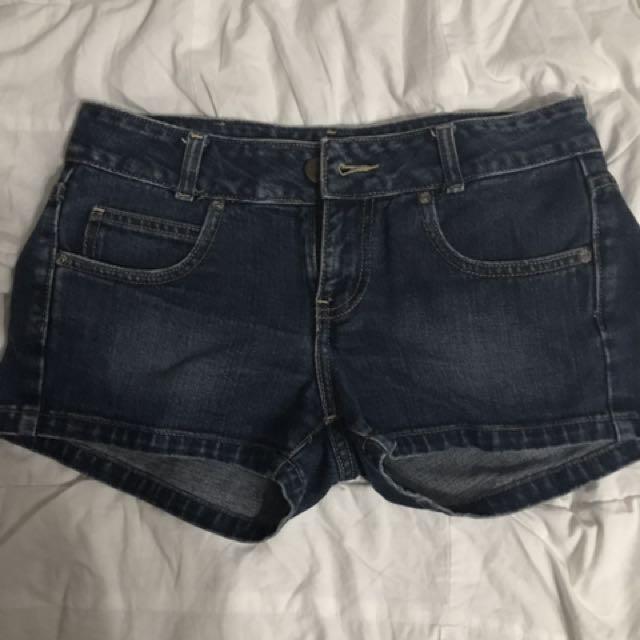 Lee Maong Shorts