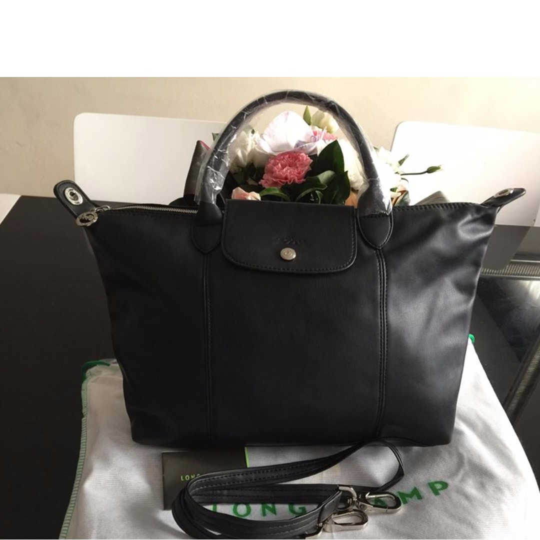 Longchamp Cuir Medium Black Bag (New, Genuine and On Hand for Shipping)