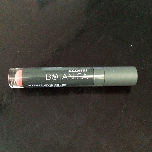 Mineral Botanica Lip Cream No. 017