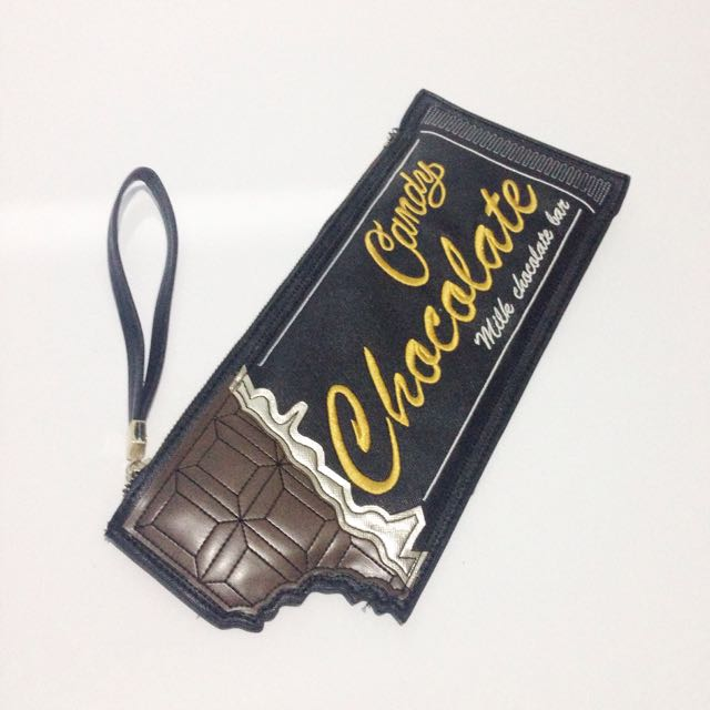 NEW LOOK CHOCOLATE CLUTCH