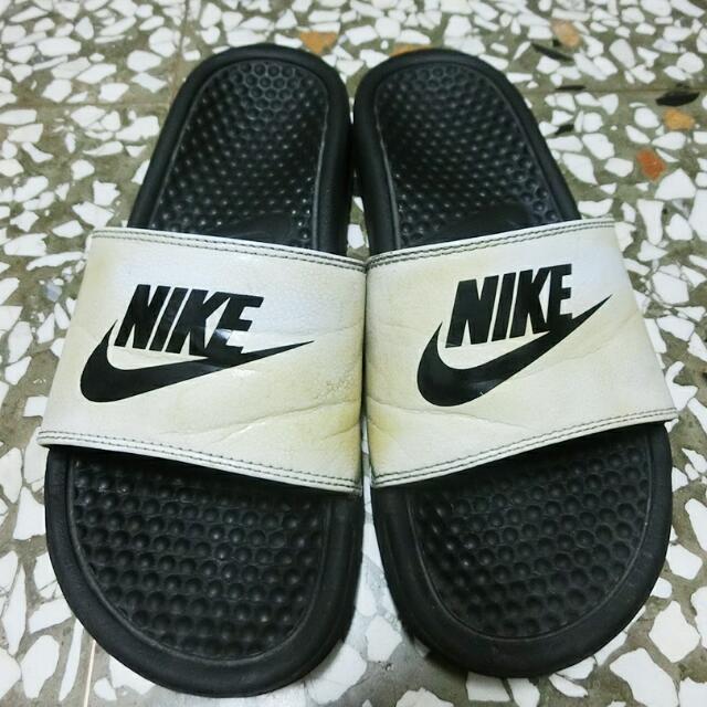 Nike 白底黑字拖鞋(含運)