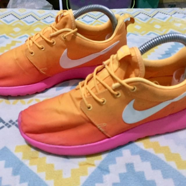 Nike Roshe Run Mango Orange Pink