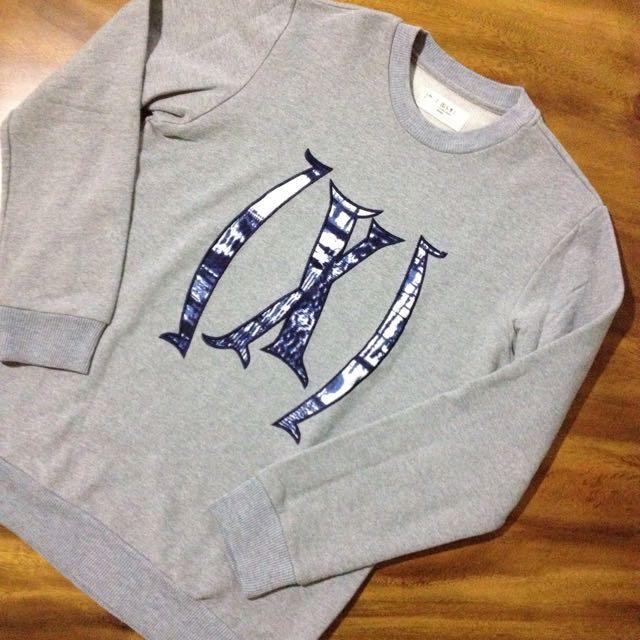 Sweatshirt By (X) s.m.l