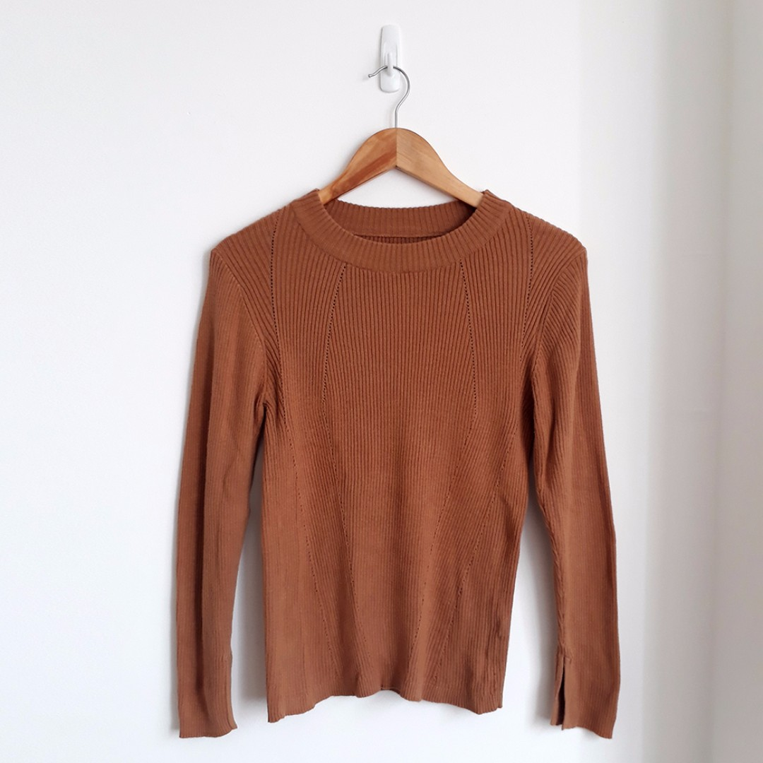 THE EXECUTIVE Knitted Brown Top
