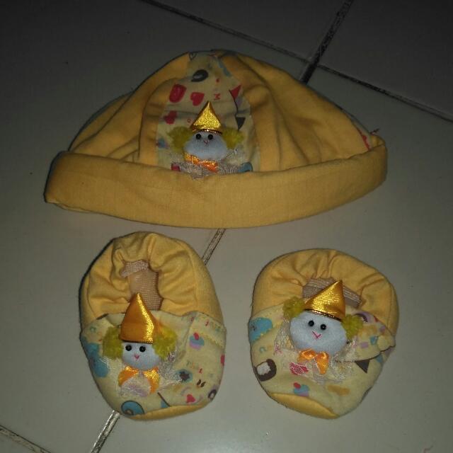 Topi + Sepatu Bayi