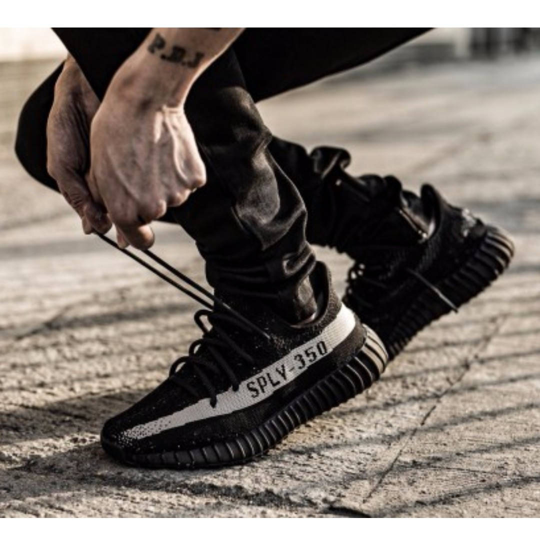 a7dcce1d99fe3 ADIDAS Yeezy Boost 350 v2 - OREO BLACK   WHITE - Sneaker Shoe