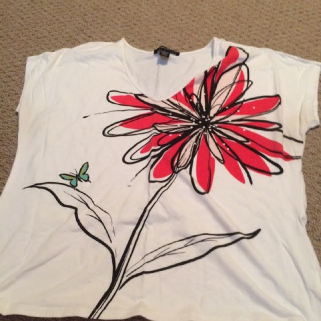 V-Neck T-Shirt With Floral Print