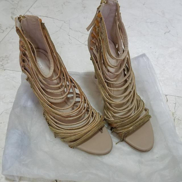 Zara Gold Chains Heels, 38 Nude Wedges, Chains Ada Sedikit Yang Copot Tapi Tidak Terlalu Kelihatan Kalo Dipakai
