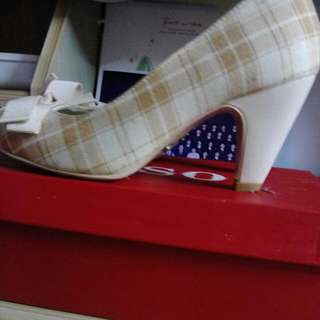 BESO 的高跟鞋#手滑買太多