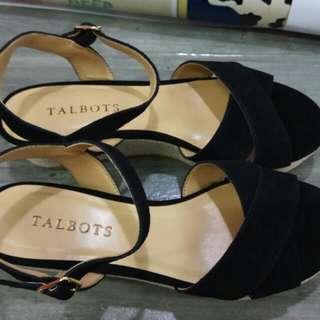sandal perempuan