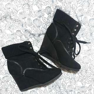 Size 7 Novo Ankle Boot Wedges