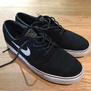 Nike Janoski - Size US 10.5