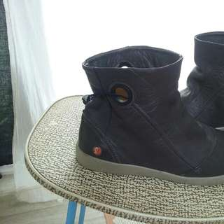 Brown SOFT Leather Ankle Boots..Softinos Made In Portugal Size (40) I am Slim 8 and they R a Bit Too Big..